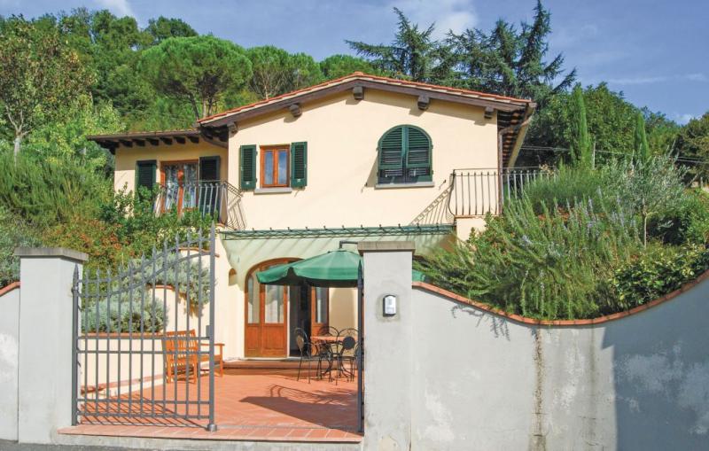 Villino le rose 1193591,Casa en Dicomano, en Toscana, Italia  con piscina comunitaria para 8 personas...