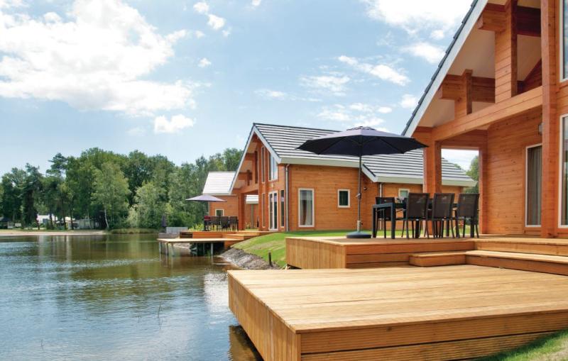 Nhp heelderpeelvilla 1193745,Vivienda de vacaciones  con piscina privada en Heel, Limburg, Holanda para 6 personas...