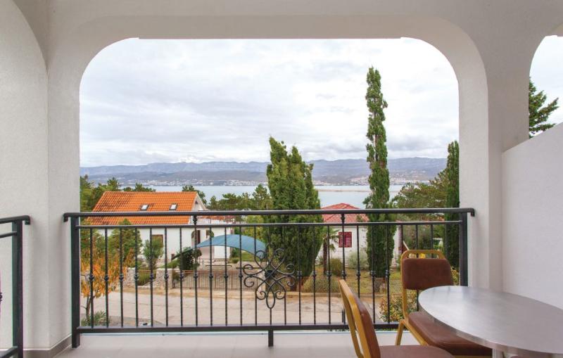 1193933,Apartamento en Silo, Dalmatia Islands, Croacia para 4 personas...