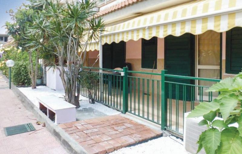 A 452 1194048,Apartamento en Giardini Naxos Me, Sicily, Italia para 4 personas...
