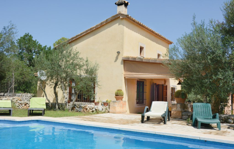 1194439,House in Pina, Mallorca, Spain  with private pool for 6 persons...
