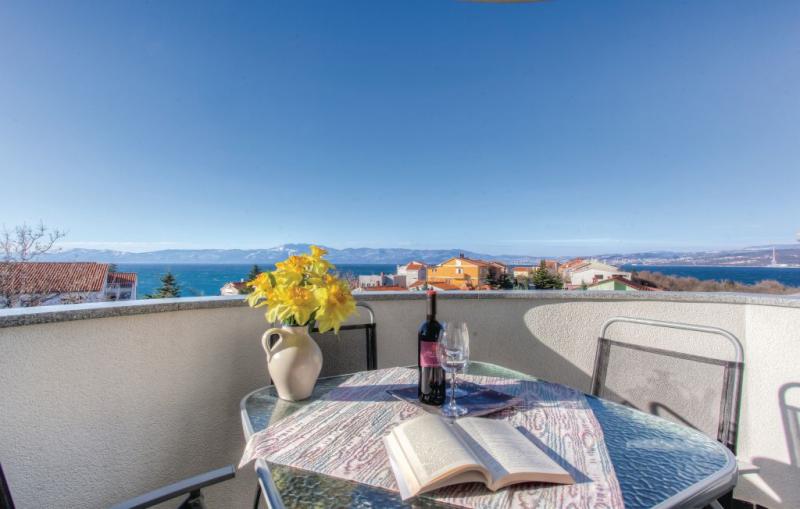 1195169,Apartamento en Omisalj, Dalmatia Islands, Croacia para 4 personas...