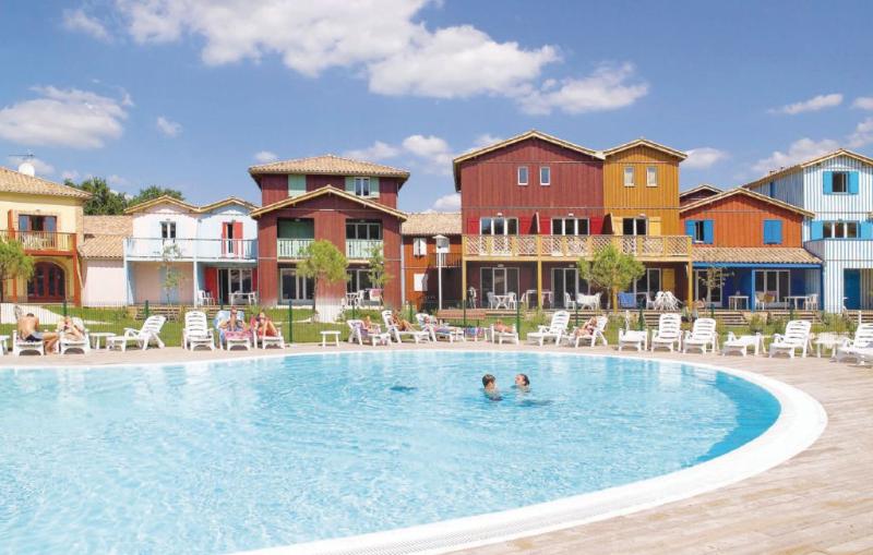 1142988,Casa de vacaciones en Le Teich, Gironde, Francia  con piscina privada para 6 personas...