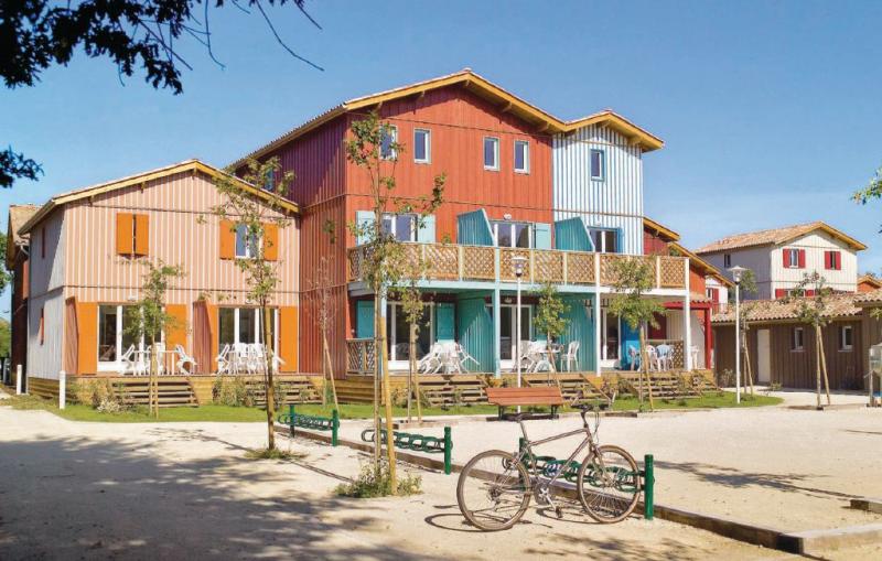 1142989,Casa de vacaciones en Le Teich, Gironde, Francia  con piscina privada para 8 personas...