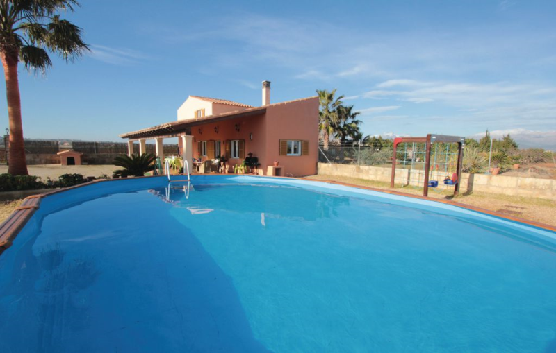 1196469,House in Muro, Mallorca, Spain for 7 persons...