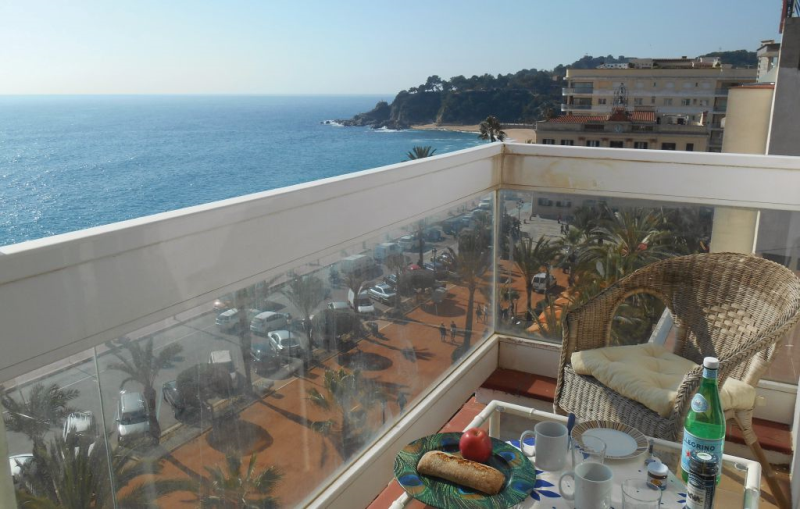 1196717,Apartment in Lloret de Mar, on the Costa Brava, Spain for 2 persons...