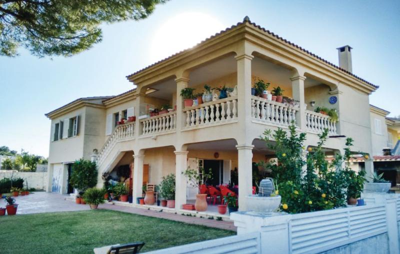 1196816,Casa en Coma-Ruga, Tarragona, España para 12 personas...