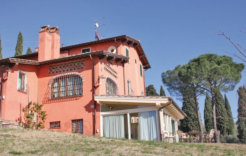 1196888,Apartamento en S. Gennaro -Lu-, en Toscana, Italia  con piscina privada para 5 personas...