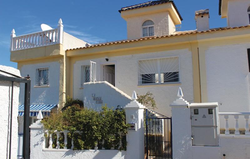 1197101,Vivienda de vacaciones en Rojales, en la Costa Blanca, España  con piscina privada para 4 personas...