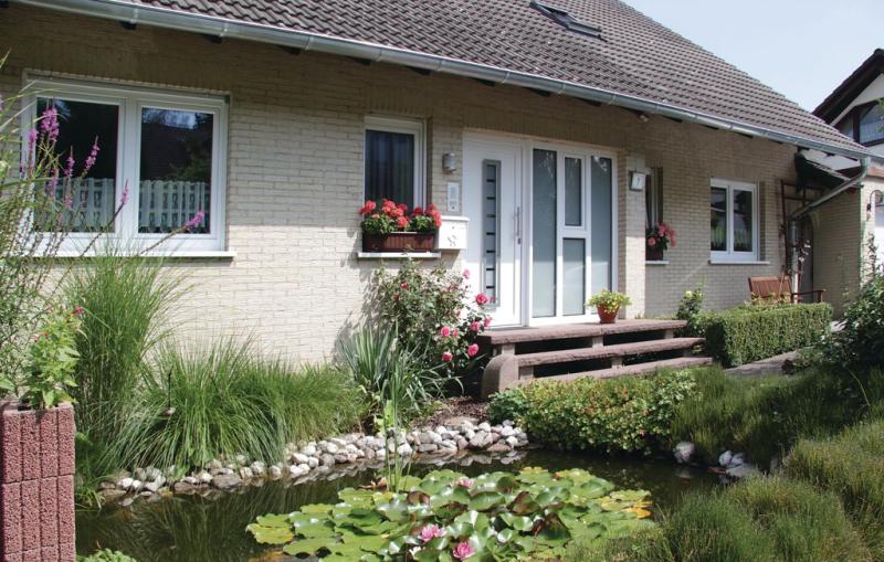 1197128,Apartamento en Oberweser-gieselwerder, Teutoburgian Forest, Alemania  con piscina comunitaria para 4 personas...
