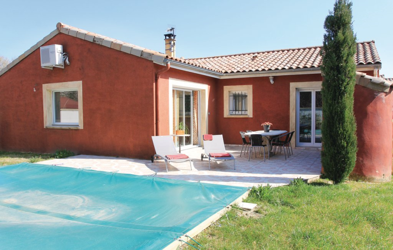 1197198,Vivienda de vacaciones  con piscina privada en Ancone, Drôme, Francia para 6 personas...