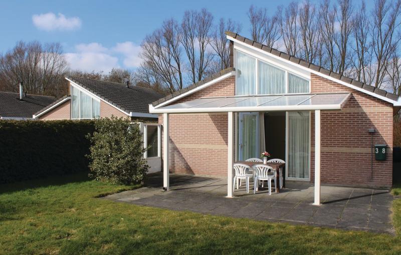 1197726,Vivienda de vacaciones  con piscina privada en Tzummarum, Friesland, Holanda para 6 personas...