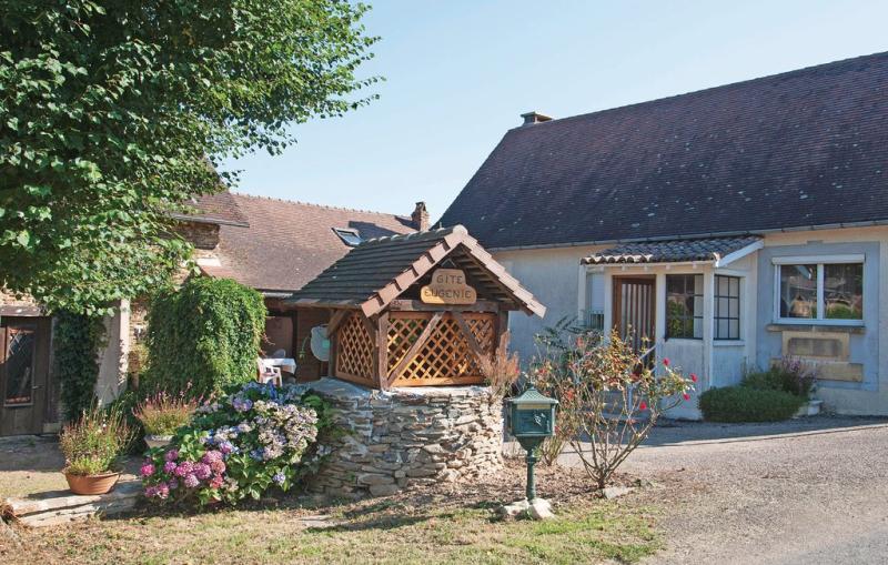 1197946,Vivienda de vacaciones en Sarrazac, Dordogne, Francia  con piscina privada para 6 personas...
