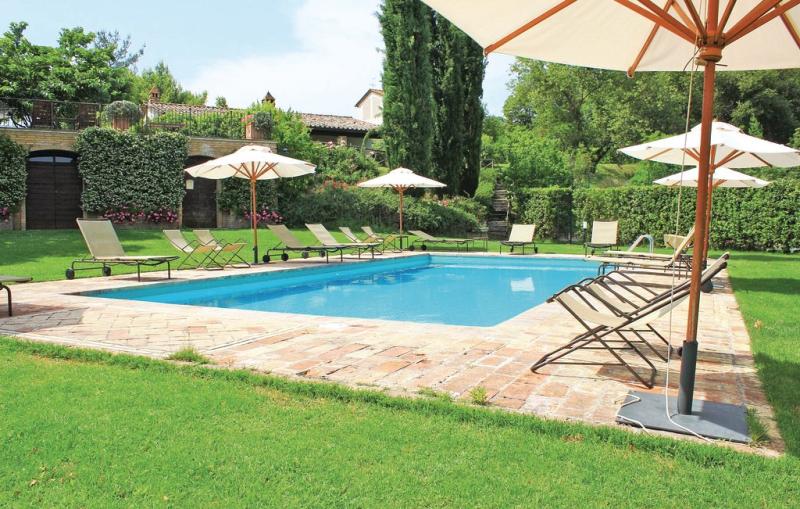 Primula 1198184,Apartamento en Montone Pg, Umbria, Italia  con piscina privada para 4 personas...