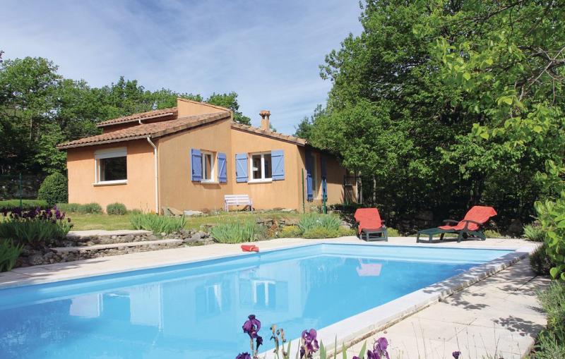 1198745,Vivienda de vacaciones en Mayres, Ardèche, Francia  con piscina privada para 7 personas...