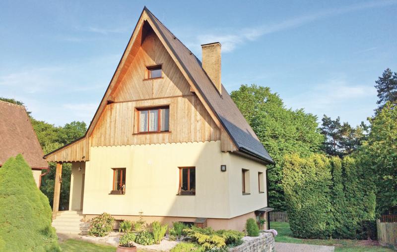 1198903,Casa en Dobren, Central Bohemia, Chequia  con piscina comunitaria para 7 personas...