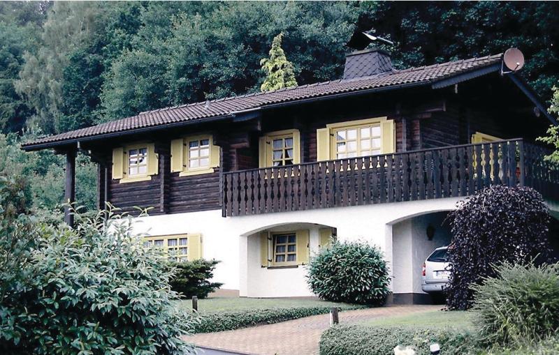 1199161,Casa en Bodenfelde, Teutoburgian Forest, Alemania  con piscina comunitaria para 4 personas...