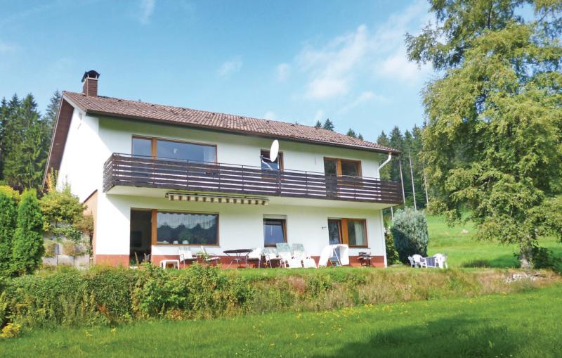 1199261,Apartamento en Lenzkirch-Saig, Lake Constance, Alemania  con piscina comunitaria para 4 personas...