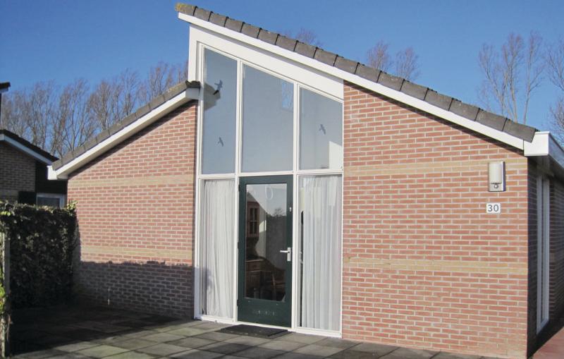 1199569,Vivienda de vacaciones  con piscina privada en Tzummarum, Friesland, Holanda para 6 personas...
