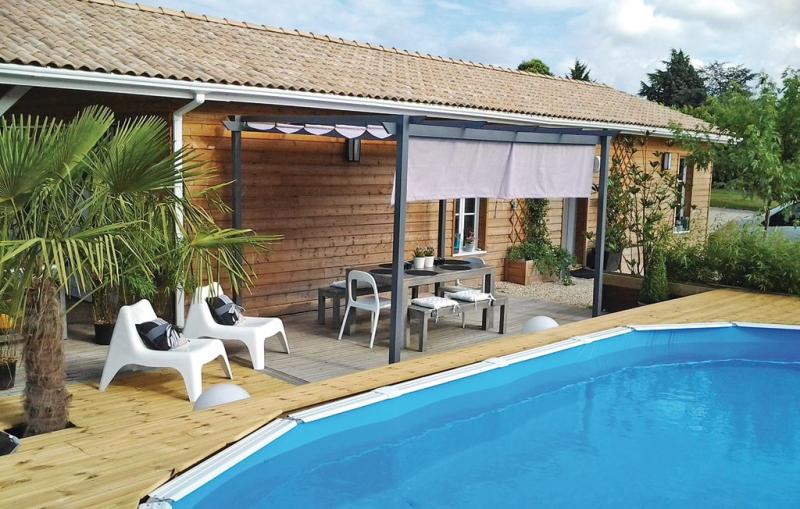 1198492,Vivienda de vacaciones en St-Michel-L'ecluse-le-, Dordogne, Francia  con piscina privada para 6 personas...