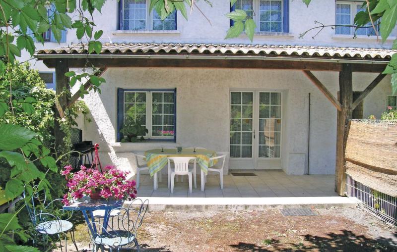 1191531,Vivienda de vacaciones en Arces Sur Gironde, Charente-Maritime, Francia para 5 personas...