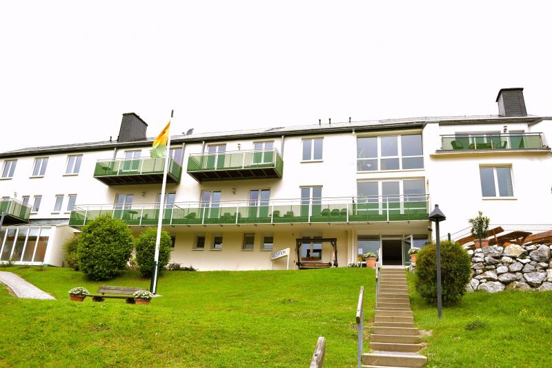 Willingen 274194,Casa de vacaciones grande  con piscina privada en Willingen, Sauerland, Alemania para 4 personas...