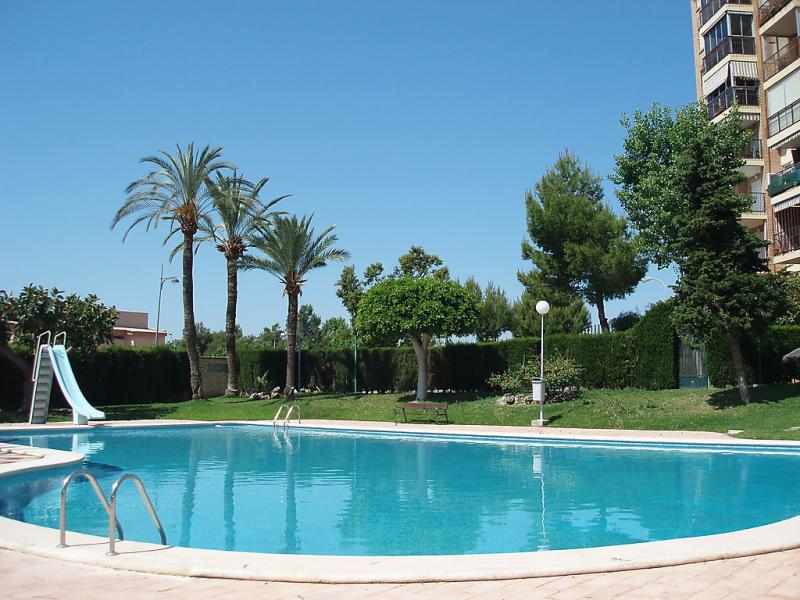 Las cinco torres 147843,Apartamento en El Campello-Villajoyosa, en la Costa Blanca, España  con piscina privada para 5 personas...