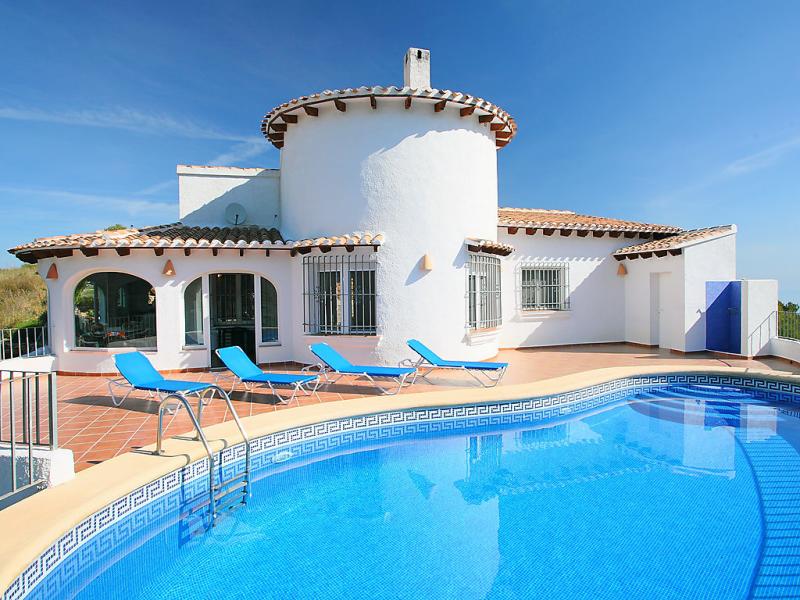 Casa dali 1420007,Villa en Pego, en la Comunidad Valenciana, España  con piscina privada para 8 personas...
