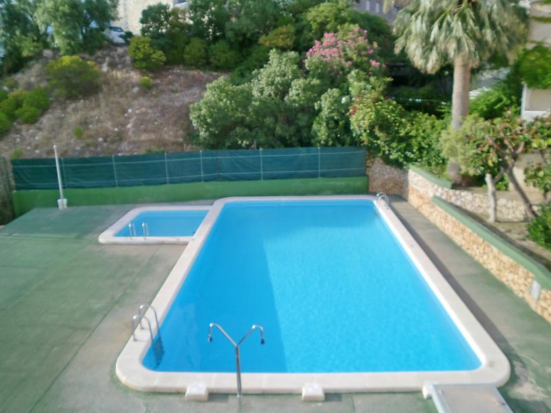 Don miguel iii 1428495,Apartamento en Benidorm, en la Costa Blanca, España  con piscina privada para 4 personas...
