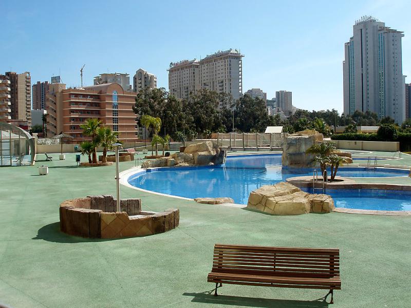 Residencial la cala bloque i atico 125 1434943,Apartamento  con piscina privada en Benidorm, en la Costa Blanca, España para 6 personas...
