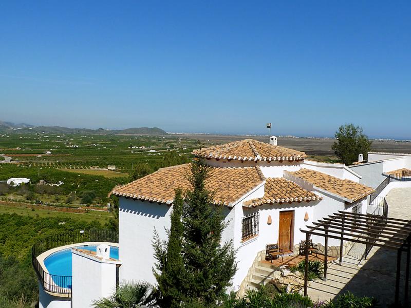 Clementina 1440668,Vivienda de vacaciones  con piscina privada en Pego, en la Comunidad Valenciana, España para 6 personas...