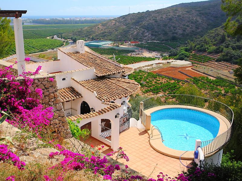 Giddings 1458132,Villa  con piscina privada en Pego, en la Comunidad Valenciana, España para 4 personas...