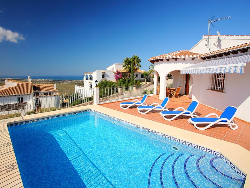 Casita del sol 1464741,Villa  con piscina privada en Pego, en la Comunidad Valenciana, España para 4 personas...