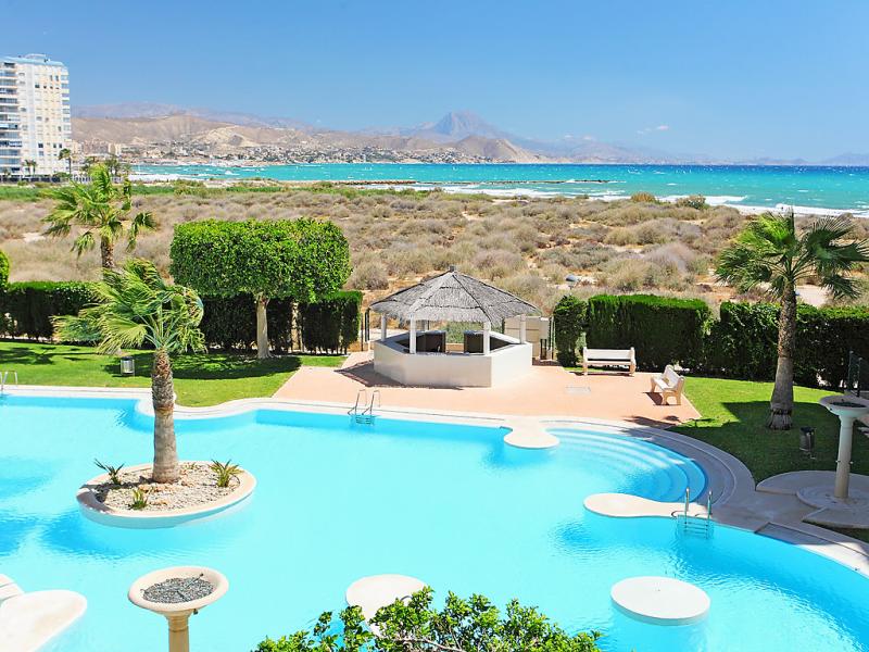 Cabo mar 1 der 1481882,Apartamento en El Campello-Villajoyosa, en la Costa Blanca, España  con piscina privada para 4 personas...