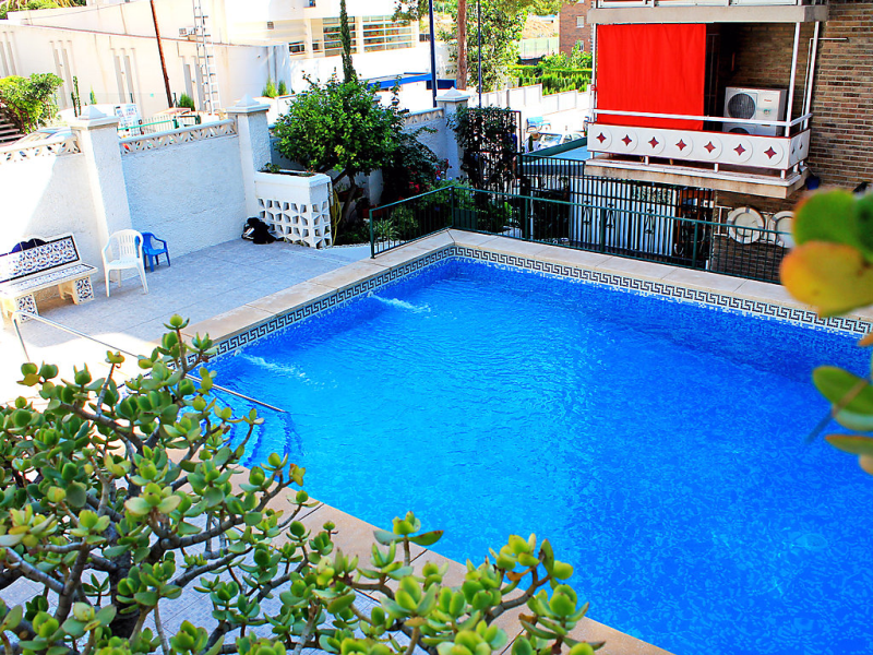 Don lorenzo 337 1483502,Apartamento  con piscina privada en Benidorm, en la Costa Blanca, España para 4 personas...