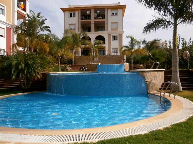 Casa rosaleda 45 1484229,Vivienda de vacaciones en San Juan - Muchamiel, en la Costa Blanca, España  con piscina privada para 6 personas...