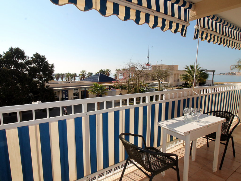 Puerto playa 1492972,Apartamento en El Campello-Villajoyosa, en la Costa Blanca, España para 4 personas...
