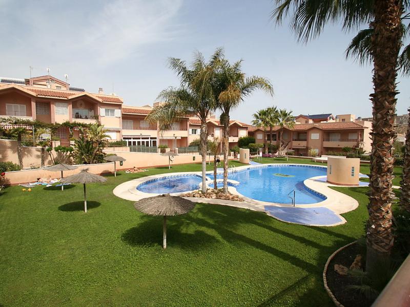 Novamar jf 1495921,Apartamento en Santa Pola, en la Costa Blanca, España  con piscina privada para 4 personas...