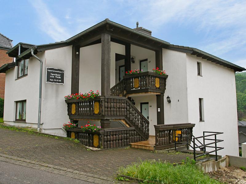 Hotel zum walde 144477,Apartamento  con piscina privada en Aachen, Nordrhein-Westfalen, Alemania para 3 personas...