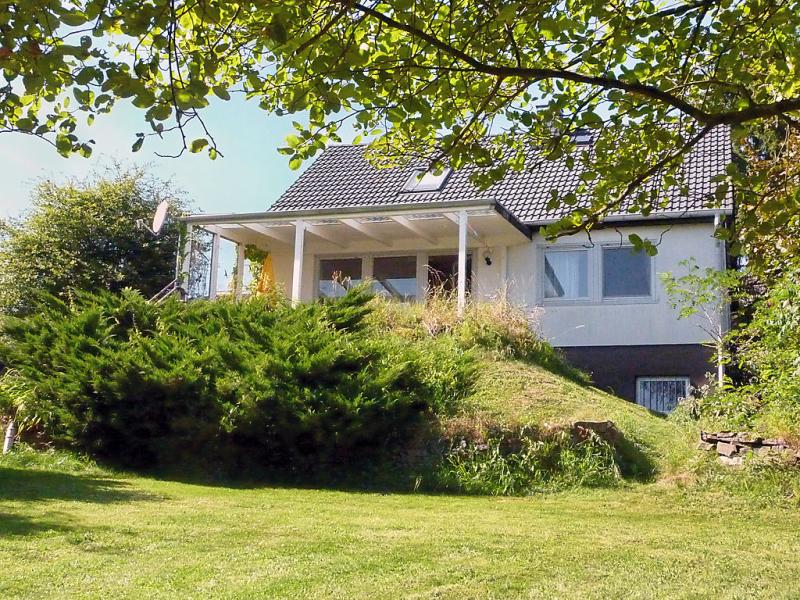 Pusteblume 144643,Apartamento en Manderscheid, Eifel, Alemania para 4 personas...