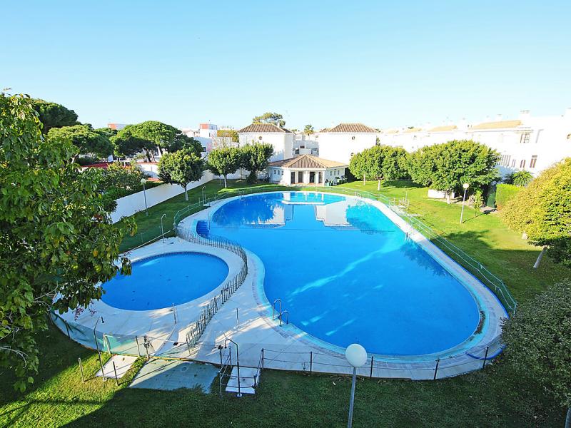 Urb pinar almadraba 145758,Apartamento  con piscina privada en Rota, Costa de la Luz, España para 6 personas...