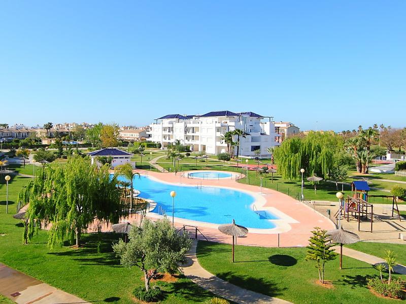 Urb bahia golf 145760,Apartamento  con piscina privada en Rota, Costa de la Luz, España para 4 personas...