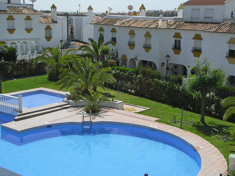 La macarena 145771,Vivienda de vacaciones  con piscina privada en Matalascañas, Costa de la Luz, España para 6 personas...