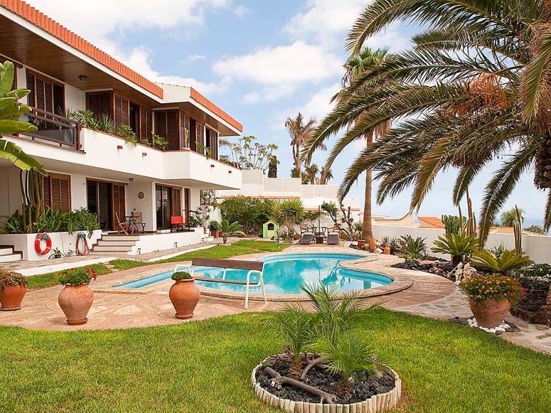 Antequera 145776,Apartamento  con piscina privada en Radazul, Tenerife, España para 4 personas...