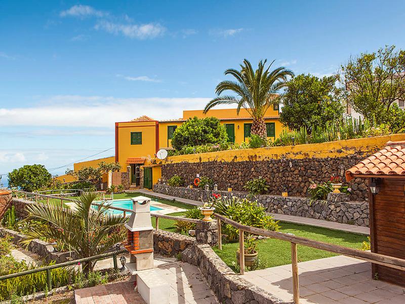 Camino la candelaria 145780,Vivienda de vacaciones en La Orotava, Tenerife, España  con piscina privada para 4 personas...