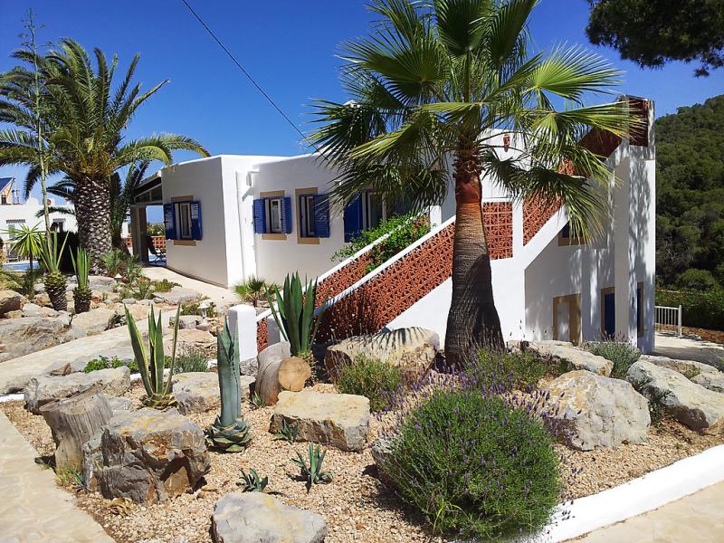 Anromi 145817,Villa  con piscina privada en Cala Vadella, Ibiza, España para 6 personas...