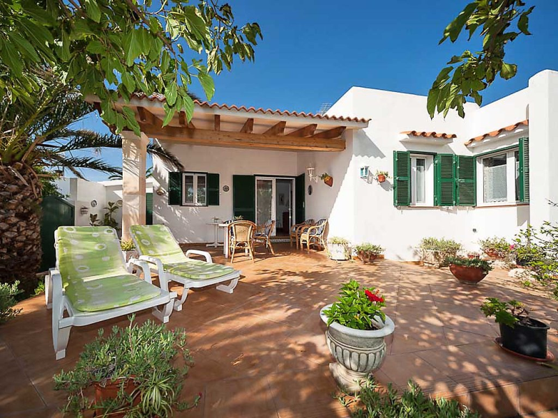 Los delfines 160 145827,Vivienda de vacaciones en Ciutadella, Minorca, España  con piscina privada para 4 personas...