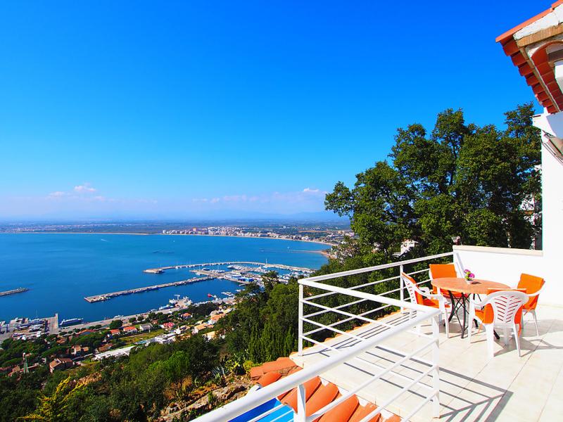 Prudenci bertrana 8 146080,Vakantiewoning in Roses, aan de Costa Brava, Spanje voor 4 personen...
