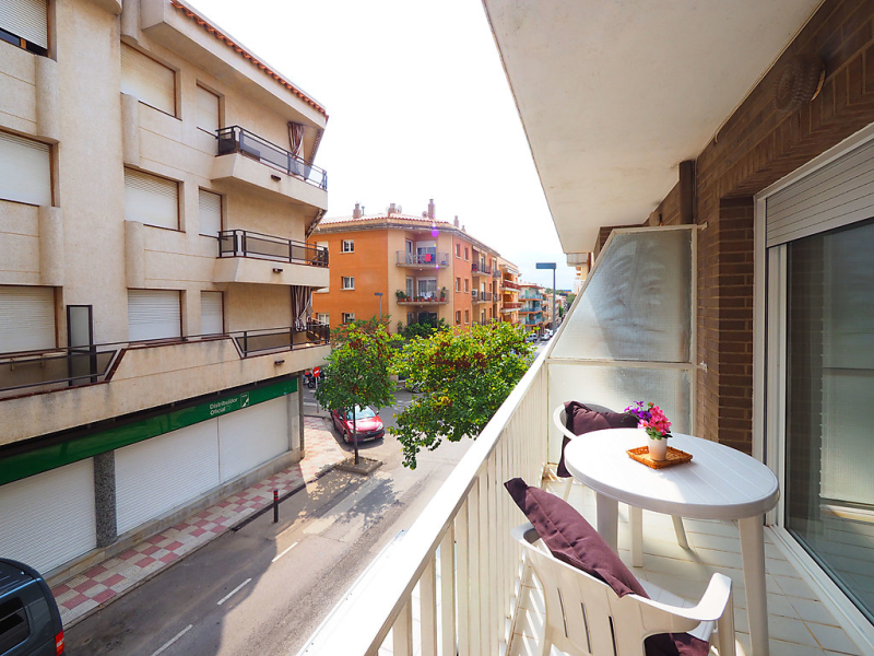 Edificio gaudi 146123, Apartment in Roses, on the Costa Brava, Spain for 4 persons...