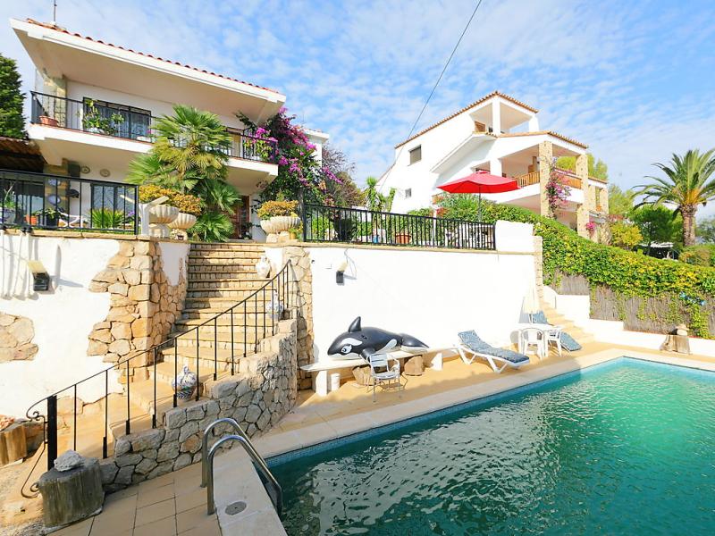 Torre yato 146738,Vivienda de vacaciones en Coma-Ruga, Tarragona, España  con piscina privada para 12 personas...